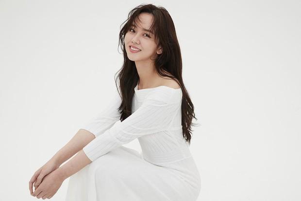 Sau Kim Yoo Jung, đến nữ thần nhí Kim So Hyun mạnh dạn xén luôn mái tóc dài và nhan sắc của cô nàng gây náo loạn - Ảnh 3.