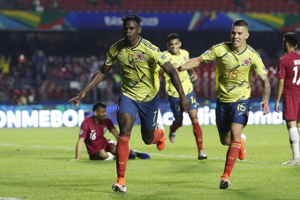 Giải vô địch Nam Mỹ: Nhà vô địch châu Á Qatar gục ngã sau pha xử lý siêu đẳng của cầu thủ đẹp trai bậc nhất làng bóng đá - Ảnh 1.