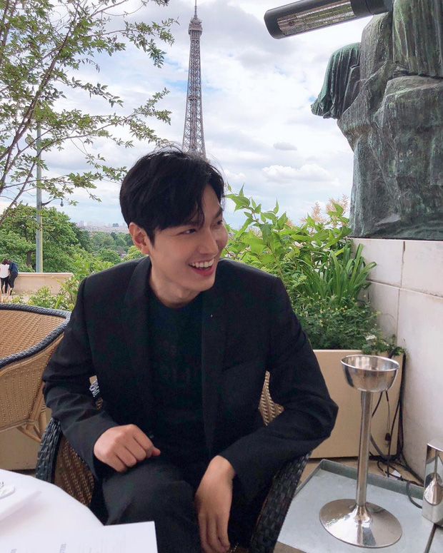 Nhìn hình du lịch của Lee Min Ho mới thấy anh có tất cả trừ một đứa bạn chụp ảnh có tâm - Ảnh 9.