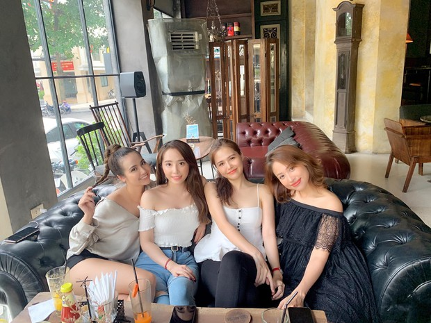 Những hội bạn thân toàn mỹ nhân Vbiz: Từ U30 đến U50 vẫn giữ vẻ đẹp tươi trẻ bất chấp thời gian, phong cách sành điệu miễn chê - Ảnh 8.