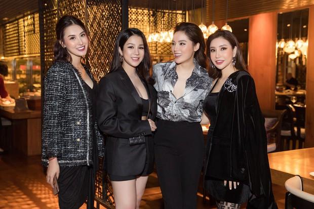 Những hội bạn thân toàn mỹ nhân Vbiz: Từ U30 đến U50 vẫn giữ vẻ đẹp tươi trẻ bất chấp thời gian, phong cách sành điệu miễn chê - Ảnh 5.