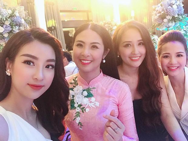 Những hội bạn thân toàn mỹ nhân Vbiz: Từ U30 đến U50 vẫn giữ vẻ đẹp tươi trẻ bất chấp thời gian, phong cách sành điệu miễn chê - Ảnh 12.