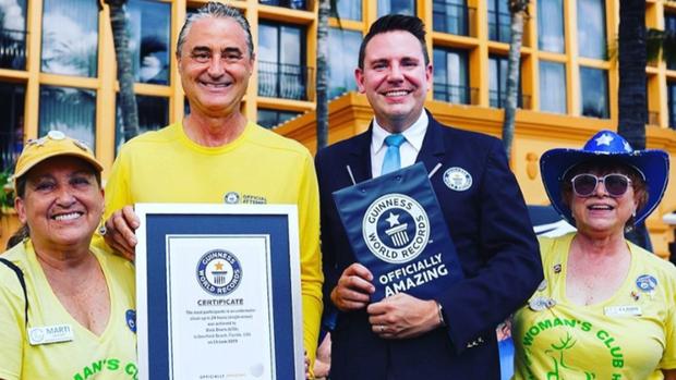 663 thợ lặn thiết lập kỉ lục Guinness nhờ cùng nhau dọn rác dưới đáy biển, có người vượt gần 2000 cây số đến tham gia - Ảnh 2.