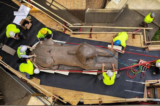 Đây là cách mà người ta di chuyển một tượng Nhân sư nặng 12 tấn - Ảnh 2.