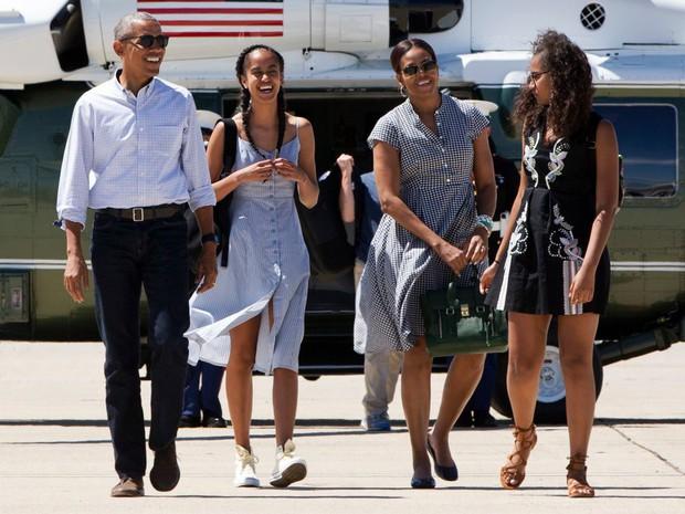 Hé lộ thu nhập khủng từ công việc ít ai biết tới của gia đình cựu Tổng thống Obama sau khi nghỉ hưu và cách tiêu tiền gây bất ngờ của họ - Ảnh 14.