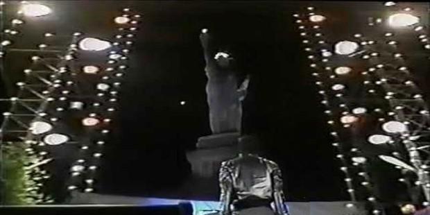 David Copperfield: Cậu bé Do Thái dám cãi lời mẹ theo đuổi đam mê, trở thành ảo thuật gia vĩ đại từng hô biến tượng Nữ thần Tự do - Ảnh 5.