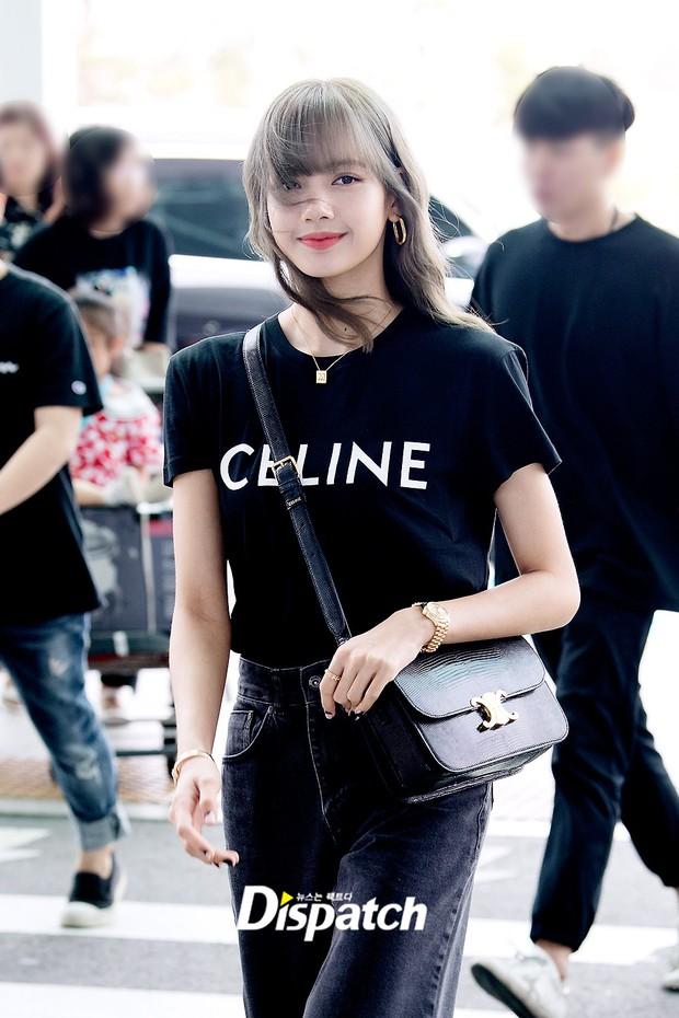 Em gái quốc tế Lisa (BLACKPINK) lại khiến sân bay náo loạn: Mặc tối giản mà xinh như búp bê sống, khí chất miễn bàn - Ảnh 6.