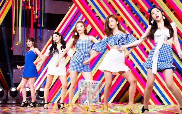 5 album nhóm nữ nhiều no.1 iTunes nhất: Hạng 1 không bất ngờ, Red Velvet và tân binh tiềm năng qua mặt TWICE - Ảnh 2.