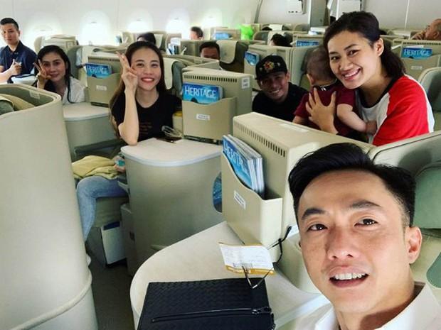 Đàm Thu Trang bị nói mặc váy cưới na ná phong cách Hồ Ngọc Hà, stylist Pông Chuẩn bức xúc đáp trả - Ảnh 3.