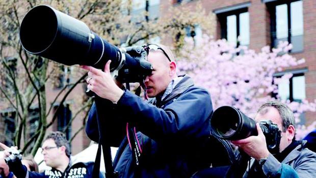 """Ly kỳ paparazzi """"săn"""" ảnh siêu sao bán triệu đô la - Ảnh 4."""