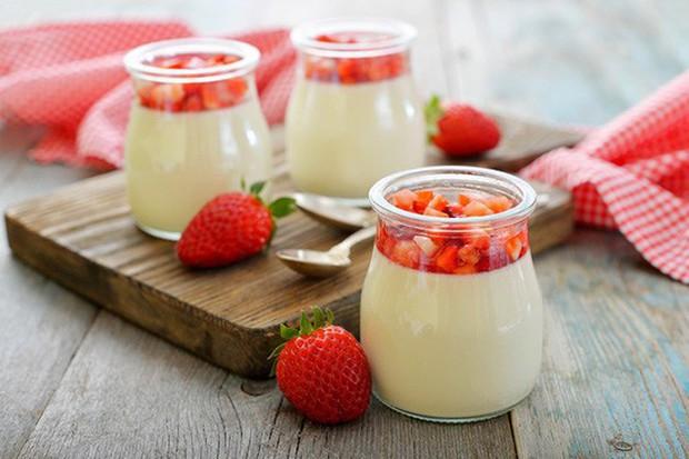 Quý ông ăn sữa chua 2 lần/tuần có tác động bất ngờ lên nguy cơ ung thư - Ảnh 1.