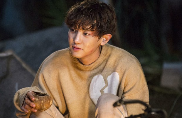 Tiền đồ chị Dậu có khi còn xán lạn hơn idol số nhọ Chan Yeol (EXO): Đi đóng phim còn bị thành viên cùng nhóm hại chết! - Ảnh 3.