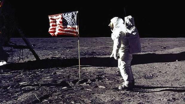NASA sẽ đưa nữ phi hành gia lên Mặt trăng trong năm 2024 - Ảnh 1.