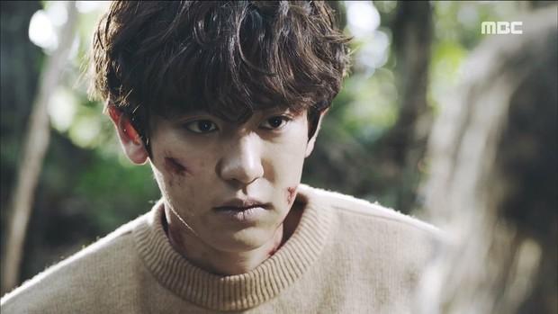 Tiền đồ chị Dậu có khi còn xán lạn hơn idol số nhọ Chan Yeol (EXO): Đi đóng phim còn bị thành viên cùng nhóm hại chết! - Ảnh 5.