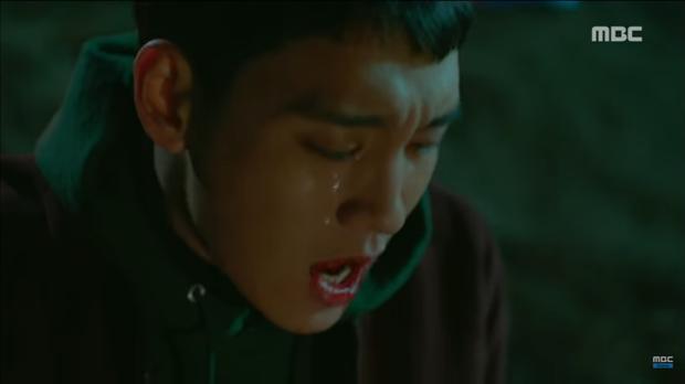 Tiền đồ chị Dậu có khi còn xán lạn hơn idol số nhọ Chan Yeol (EXO): Đi đóng phim còn bị thành viên cùng nhóm hại chết! - Ảnh 6.