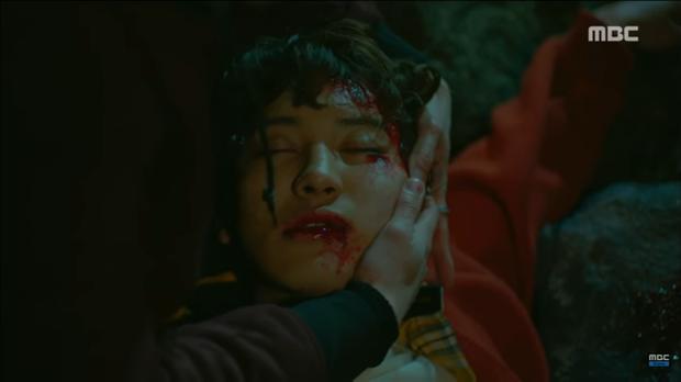 Tiền đồ chị Dậu có khi còn xán lạn hơn idol số nhọ Chan Yeol (EXO): Đi đóng phim còn bị thành viên cùng nhóm hại chết! - Ảnh 7.