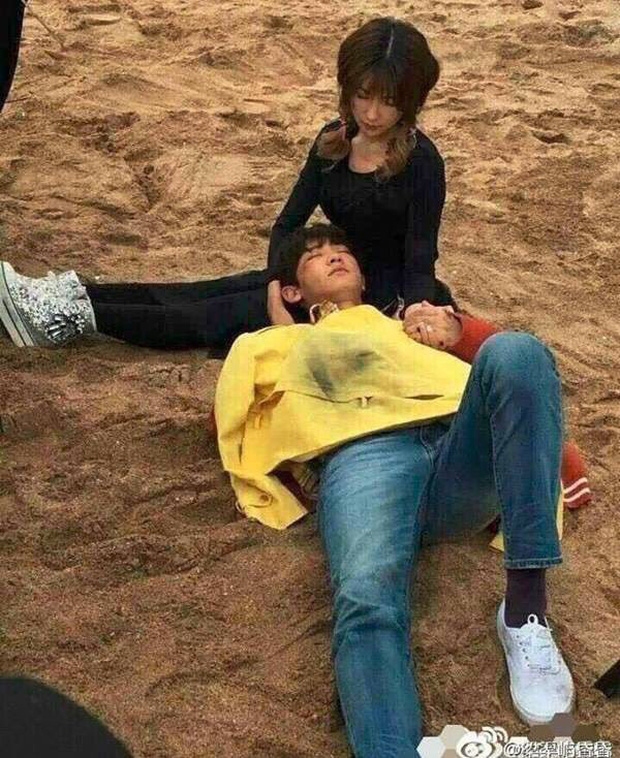 Tiền đồ chị Dậu có khi còn xán lạn hơn idol số nhọ Chan Yeol (EXO): Đi đóng phim còn bị thành viên cùng nhóm hại chết! - Ảnh 9.