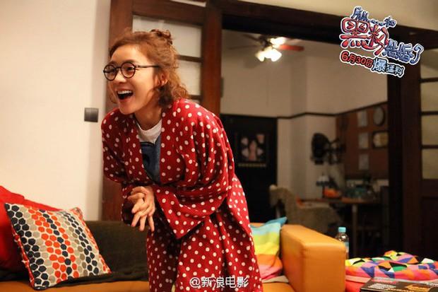 Tiền đồ chị Dậu có khi còn xán lạn hơn idol số nhọ Chan Yeol (EXO): Đi đóng phim còn bị thành viên cùng nhóm hại chết! - Ảnh 11.