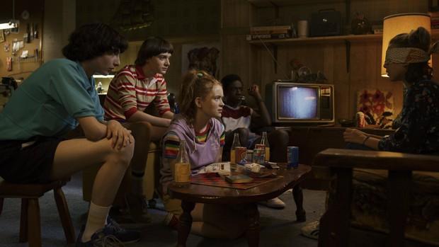 Stranger Things 3 tung trailer nổi da gà: Quái vật từ thế giới đảo ngược tìm vật chủ mới, cả dàn nhân vật chính gặp nguy - Ảnh 5.