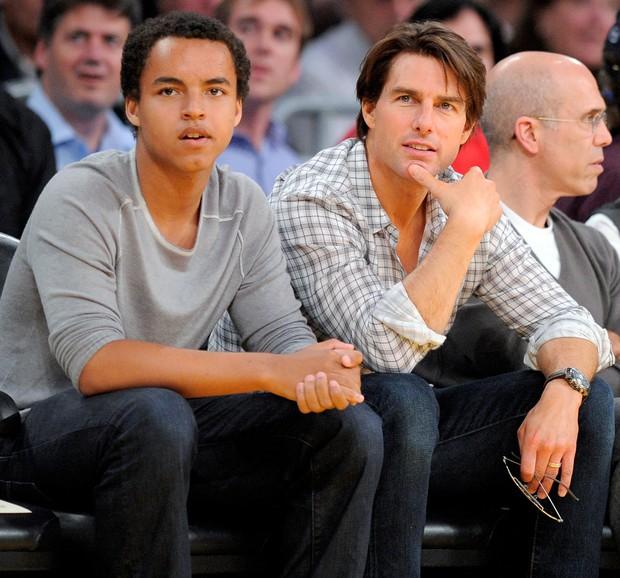 Bị đồn không phải cha ruột, đây là cách đối xử gây tranh cãi của Tom Cruise với con gái Suri suốt 6 năm qua - Ảnh 2.