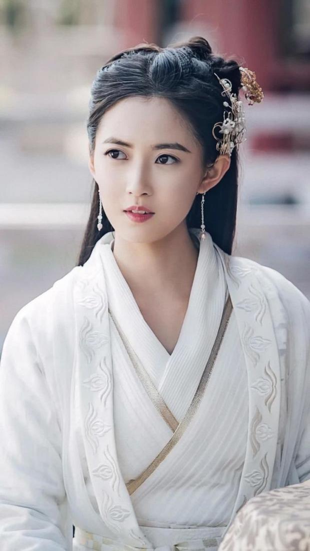 3 nữ thần cổ trang Hoa Ngữ được yêu thích nhất nửa đầu 2019: Cả giới anh hùng võ lâm phát cuồng vì số 1 - Ảnh 1.