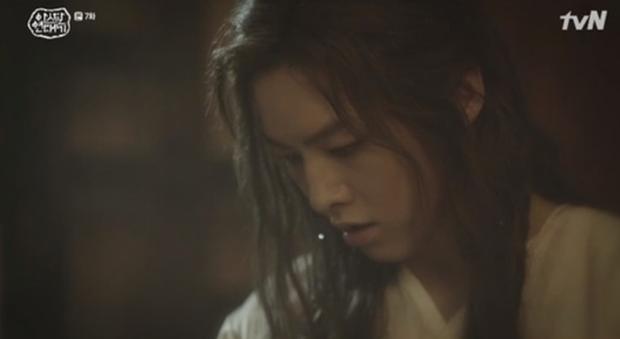 Ji Soo (BLACKPINK) xuất hiện 14 giây trong Niên Sử Kí Arthdal: Người đòi kiện biên kịch, kẻ đòi trao cúp vàng Oscar! - Ảnh 6.