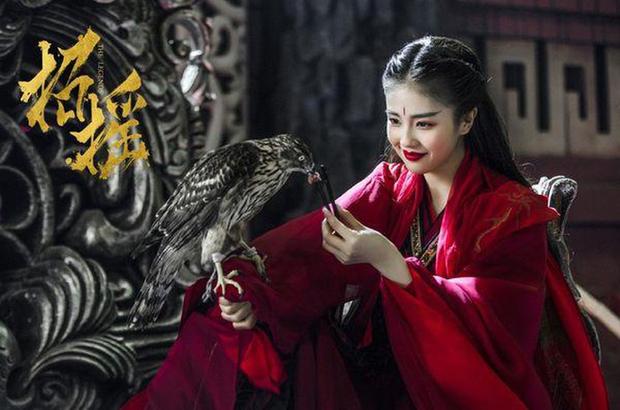 3 nữ thần cổ trang Hoa Ngữ được yêu thích nhất nửa đầu 2019: Cả giới anh hùng võ lâm phát cuồng vì số 1 - Ảnh 9.