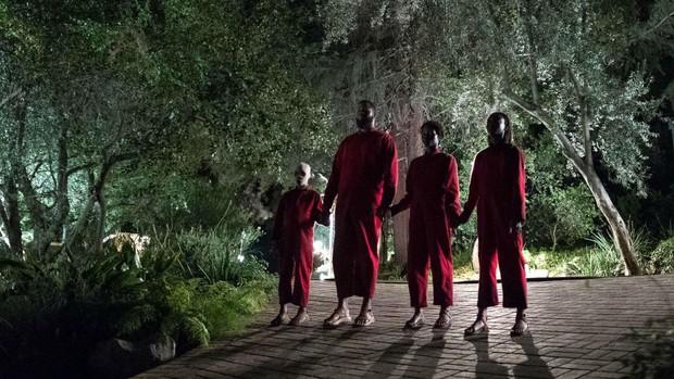 5 điểm trùng hợp kì lạ giữa phim hot nhất tuần Kí Sinh Trùng và US - phim kinh dị siêu sốt đầu năm - Ảnh 3.