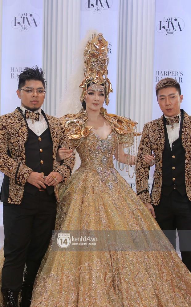 Thảm đỏ lố nhất Việt Nam: Nếu Phương Khánh là đóa hoa thì Jolie Nguyễn chính là giấy gói quà, riêng Nam Em quên... mặc quần - Ảnh 25.