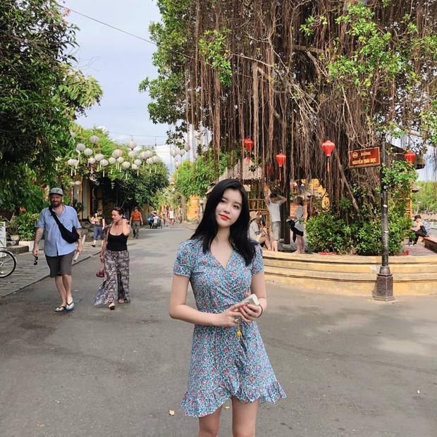 Chìm nghỉm giữa nhóm, nữ idol Kpop bỗng nổi lên nhờ ảnh du lịch Việt Nam hôm nay: Con gái nhìn còn thích! - Ảnh 3.