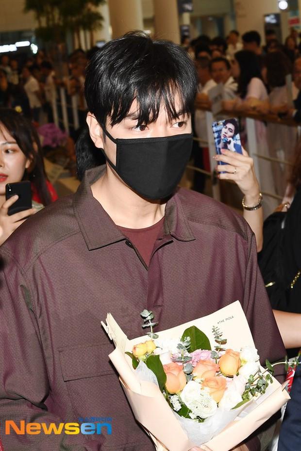 Lee Min Ho và Suzy lần lượt xuất hiện tại sân bay gần sinh nhật, tạo nên khung cảnh na ná ảnh hẹn hò 4 năm trước? - Ảnh 5.