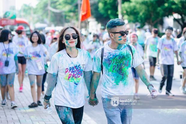 Color Me Run 2019: Hàng nghìn người đổ xuống khắp mọi nẻo đường, quẩy tưng bừng trong sự kiện lớn nhất năm - Ảnh 7.