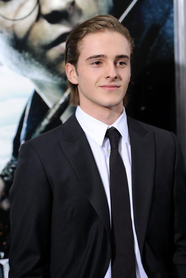5 cậu em soái ca của sao Hollywood: Toàn trai đẹp cực phẩm, giỏi đáng nể, em trai Emma Watson xuất chúng nhất - Ảnh 1.