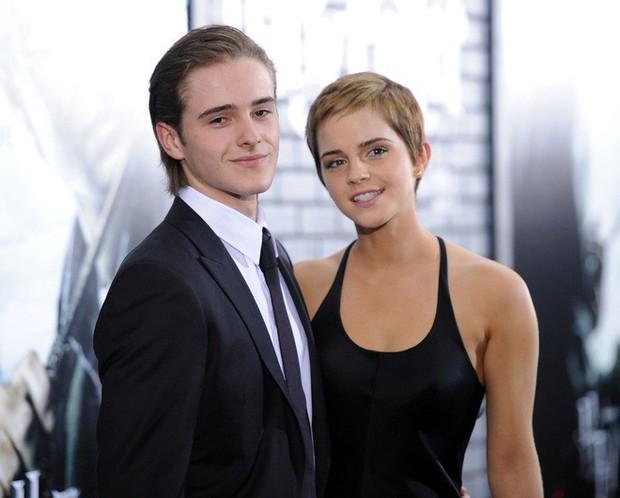 5 cậu em soái ca của sao Hollywood: Toàn trai đẹp cực phẩm, giỏi đáng nể, em trai Emma Watson xuất chúng nhất - Ảnh 2.