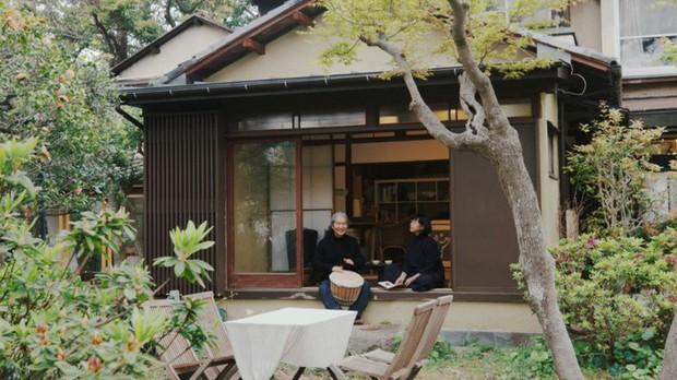 Cuộc sống hạnh phúc và bình yên của cặp vợ chồng người Nhật ở ngôi nhà nhỏ trên núi suốt 40 năm - Ảnh 1.