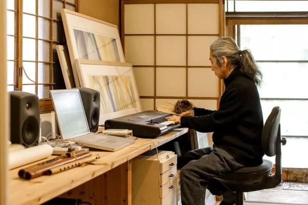 Cuộc sống hạnh phúc và bình yên của cặp vợ chồng người Nhật ở ngôi nhà nhỏ trên núi suốt 40 năm - Ảnh 2.