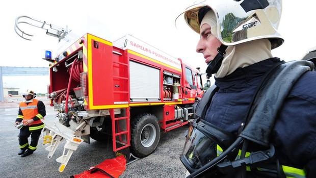 Pháp: Hỏa hoạn ở tòa nhà 6 tầng, 3 người chết, gần 30 người bị thương - Ảnh 1.
