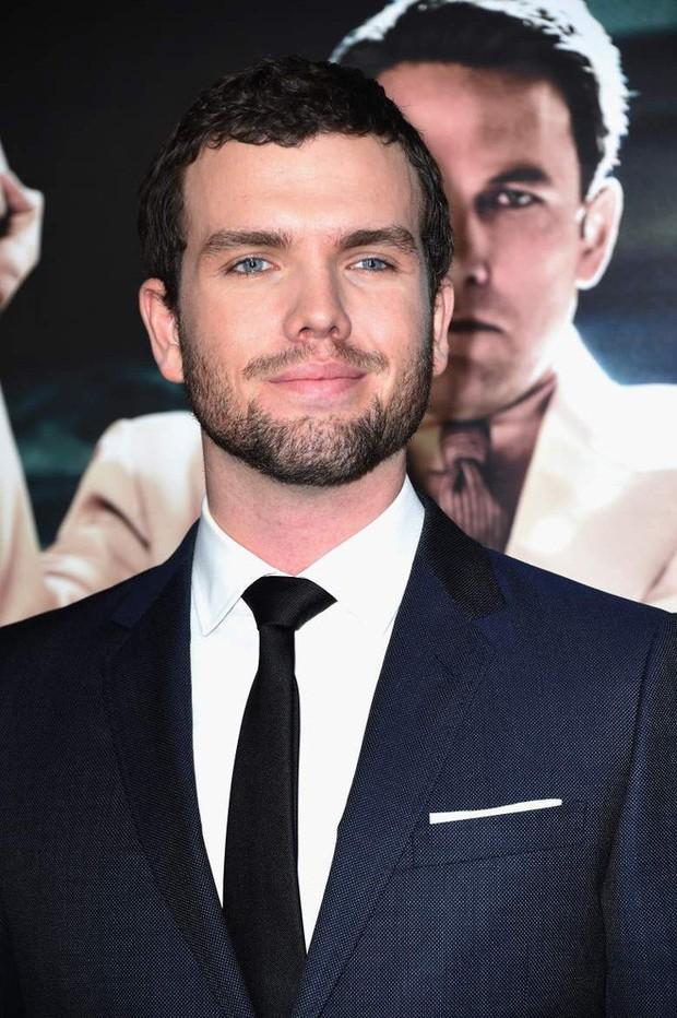 5 cậu em soái ca của sao Hollywood: Toàn trai đẹp cực phẩm, giỏi đáng nể, em trai Emma Watson xuất chúng nhất - Ảnh 10.