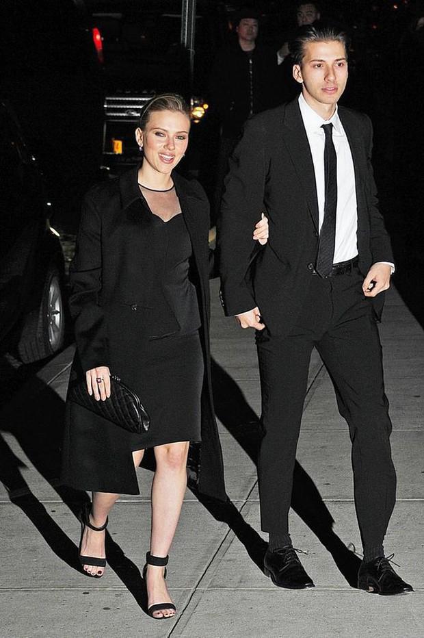 5 cậu em soái ca của sao Hollywood: Toàn trai đẹp cực phẩm, giỏi đáng nể, em trai Emma Watson xuất chúng nhất - Ảnh 21.