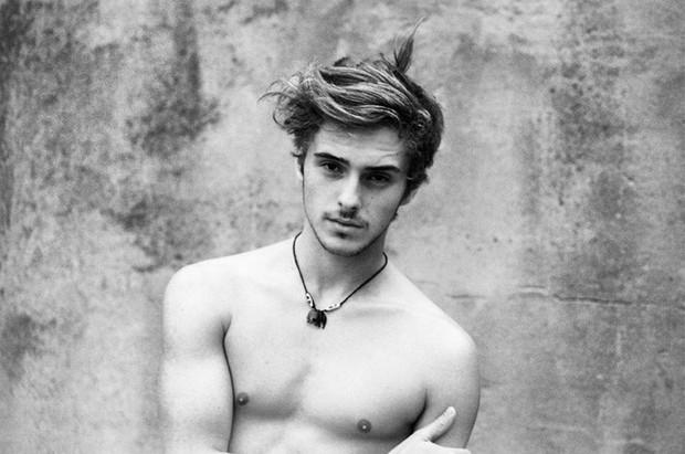 5 cậu em soái ca của sao Hollywood: Toàn trai đẹp cực phẩm, giỏi đáng nể, em trai Emma Watson xuất chúng nhất - Ảnh 6.