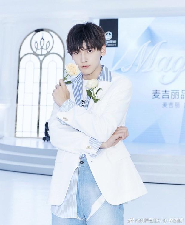Boygroup mới hot nhất xứ Trung R1SE: Center bị JYP đánh đập, người như nam thần, kẻ gây tranh cãi vì visual quá thường - Ảnh 17.
