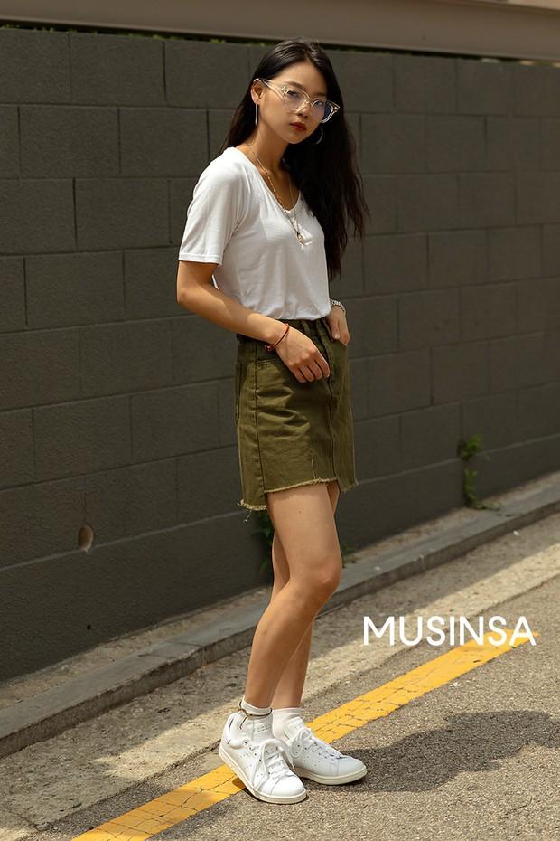 Street style giới trẻ Hàn: chẳng màng lồng lộn, các cô nàng chất chơi chứng minh mùa hè cứ lên đồ thật thoải mái là best - Ảnh 8.