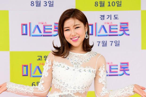 Top 30 ca sĩ hot nhất xứ Hàn: Bộ đôi siêu khủng BTS, BLACKPINK vẫn là bá chủ, gương mặt lạ hoắc đánh bật loạt idol - Ảnh 3.