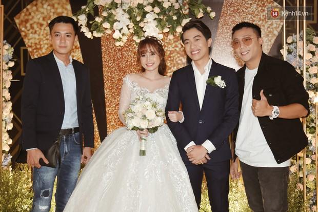 Streamer giàu nhất Việt Nam cùng dàn khách mời đình đám tại lễ cưới Cris Phan - Mai Quỳnh Anh - Ảnh 4.