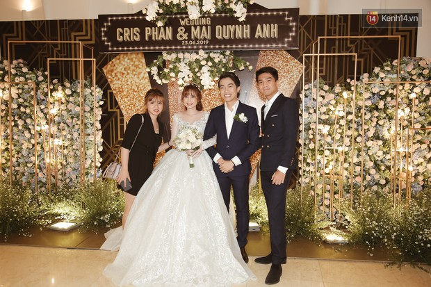 Streamer giàu nhất Việt Nam cùng dàn khách mời đình đám tại lễ cưới Cris Phan - Mai Quỳnh Anh - Ảnh 1.