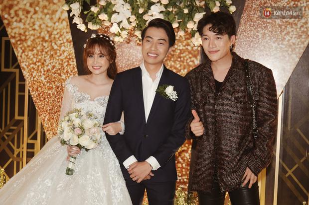 Streamer giàu nhất Việt Nam cùng dàn khách mời đình đám tại lễ cưới Cris Phan - Mai Quỳnh Anh - Ảnh 9.