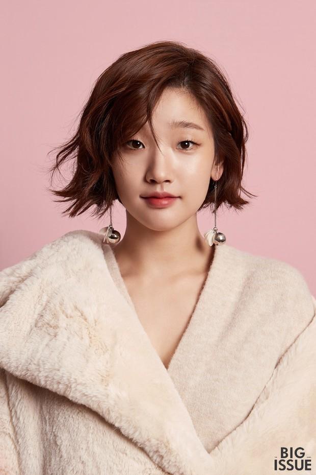 Thiên tài lừa đảo của Kí Sinh Trùng: Kiều nữ Park So Dam hoá ra là bạn học Kim Go Eun, từng bị rớt casting đến 17 lần - Ảnh 1.