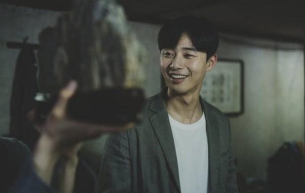 Kí Sinh Trùng có màn cameo thú vị nhất sự nghiệp Park Seo Joon: Khởi nguồn cho mọi bi kịch nhà nghèo! - Ảnh 1.
