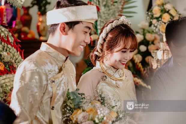 Một năm trước Mai Quỳnh Anh thẳng mặt bảo Cris Phan không ra dáng đàn ông, giờ thì họ cưới nhau! - Ảnh 1.