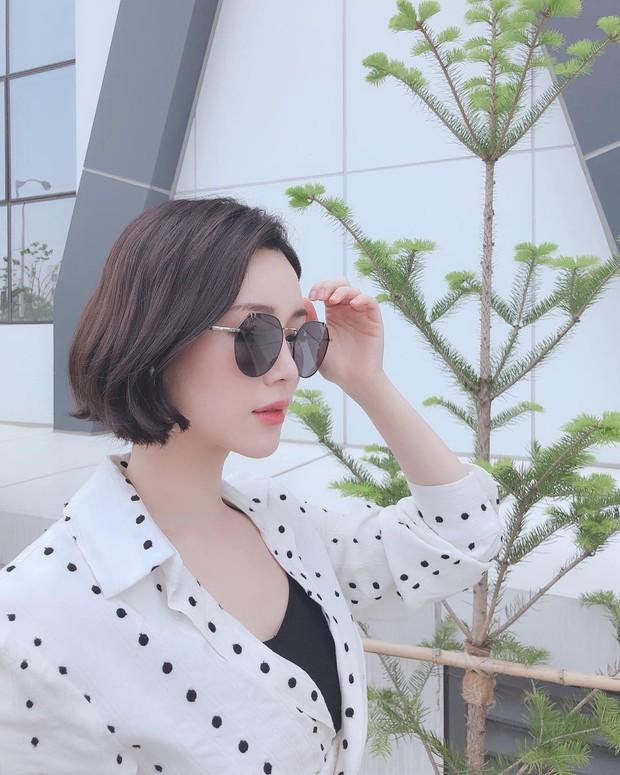 Con gái thứ 2 nhà Mama Chuê bỗng nổi như cồn nhờ loạt ảnh khoe vòng 1 quá xinh, soi Instagram còn ngỡ ngàng hơn - Ảnh 13.